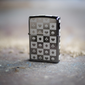 Bilde av Zippo - Card Suits - Black Ice