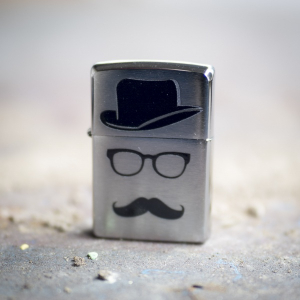 Bilde av Zippo - Moustache and Hat - Brushed Chrome
